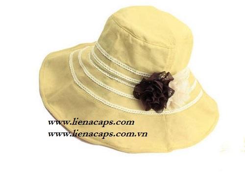 Large brimmed hat Bo 01