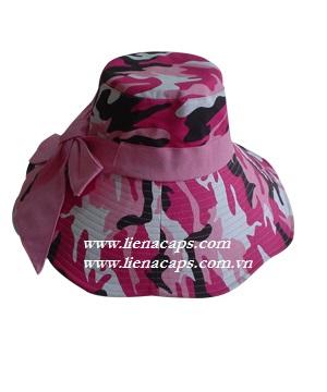 Large brimmed hat Bo 23